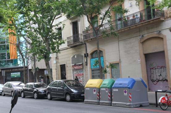 侨外西班牙移民:垃圾分